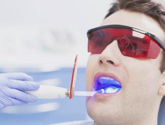 La odontología láser ha llegado para quedarse y revolucionar la escena dental