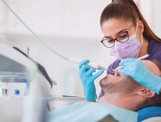 ¿Por qué acudir a una clínica odontológica?
