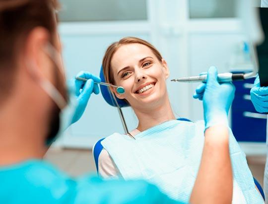Qué riesgo tienen los implantes dentales