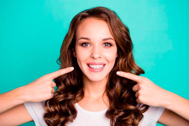 ¿Qué cuidados debo tener con mis implantes dentales?
