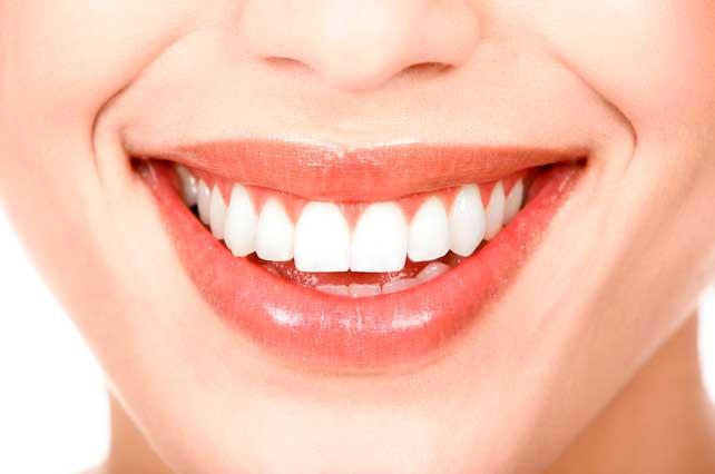 ¿Cómo mantener el blanqueamiento dental?