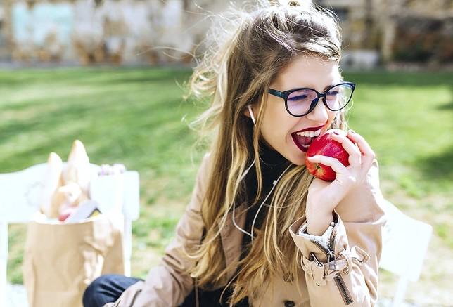 Frutas que ayudan al blanqueamiento de tus dientes